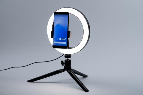 超豪華!DIME最新号の付録は… ビデオ会議、動画配信、オンライン面接、各種撮影に使える「LEDリングライトPREMIUM」!! (1)