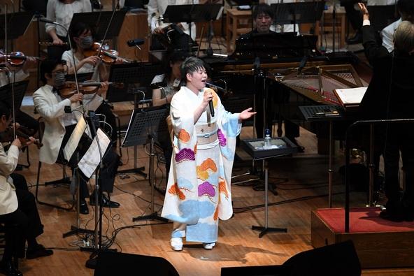 歌怪獣・島津亜矢、札幌で響かせたオーケストラとの共演による圧巻の歌声! (1)