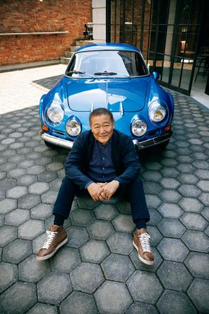 """画面では、黙して""""背中で語る""""俳優、國村準さんが雑誌「ENGINE」に登場、愛するクルマたちについて大いに語る! (1)"""